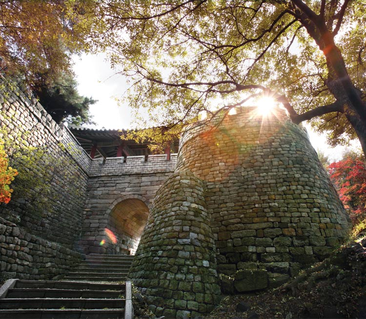 Chilsong Gate during the Autumn time