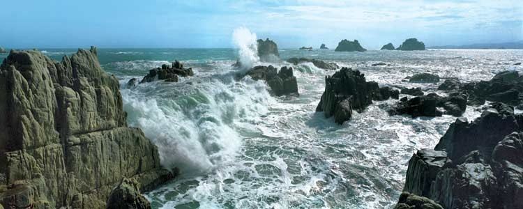 Waves of Sea Kumgang