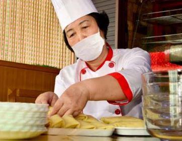Chief cook Pae Chun Hui.
